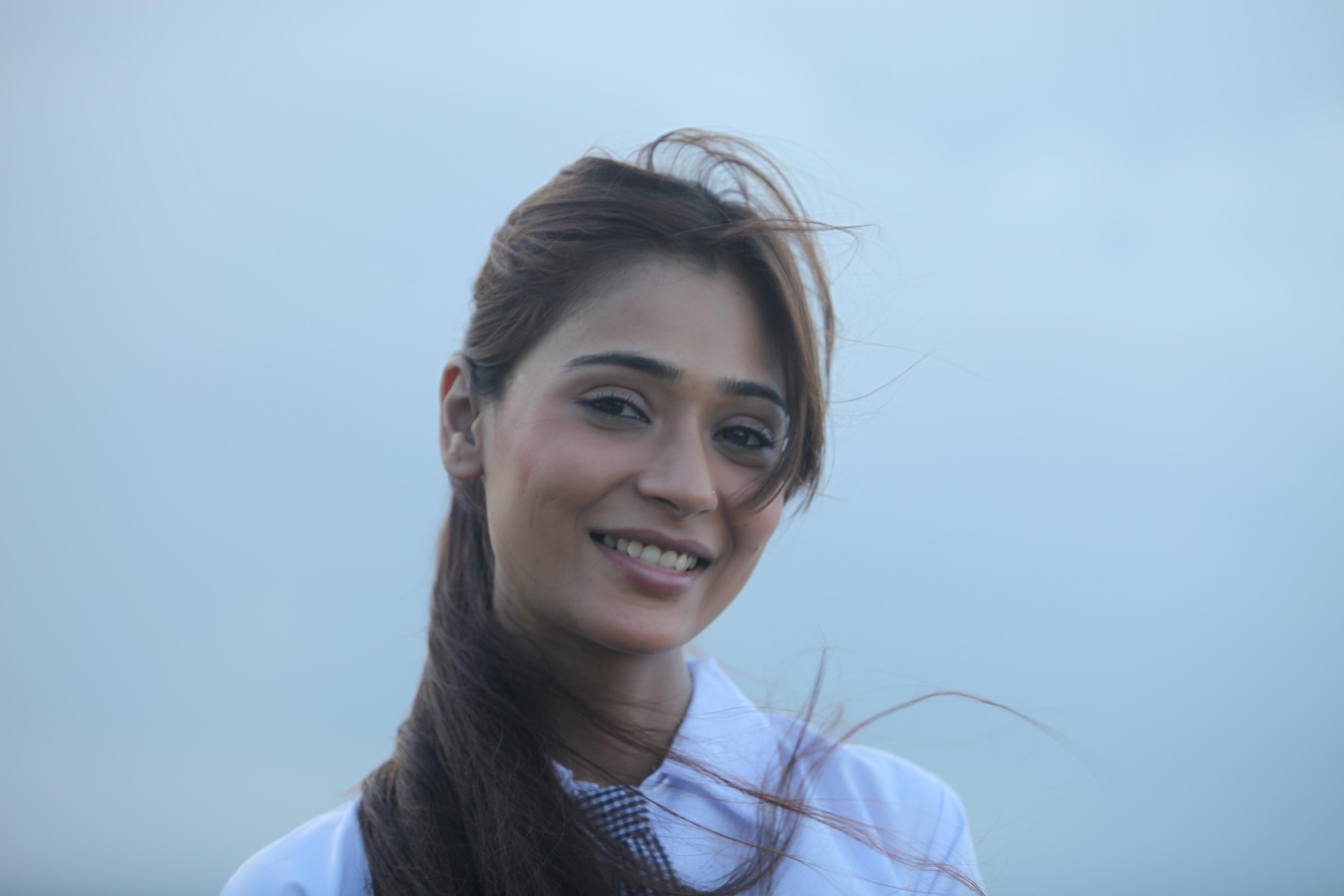 Beautiful eye s of sara khan